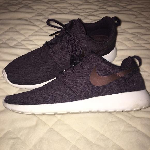 Dark Purple Nike Roshe Tennis Shoes